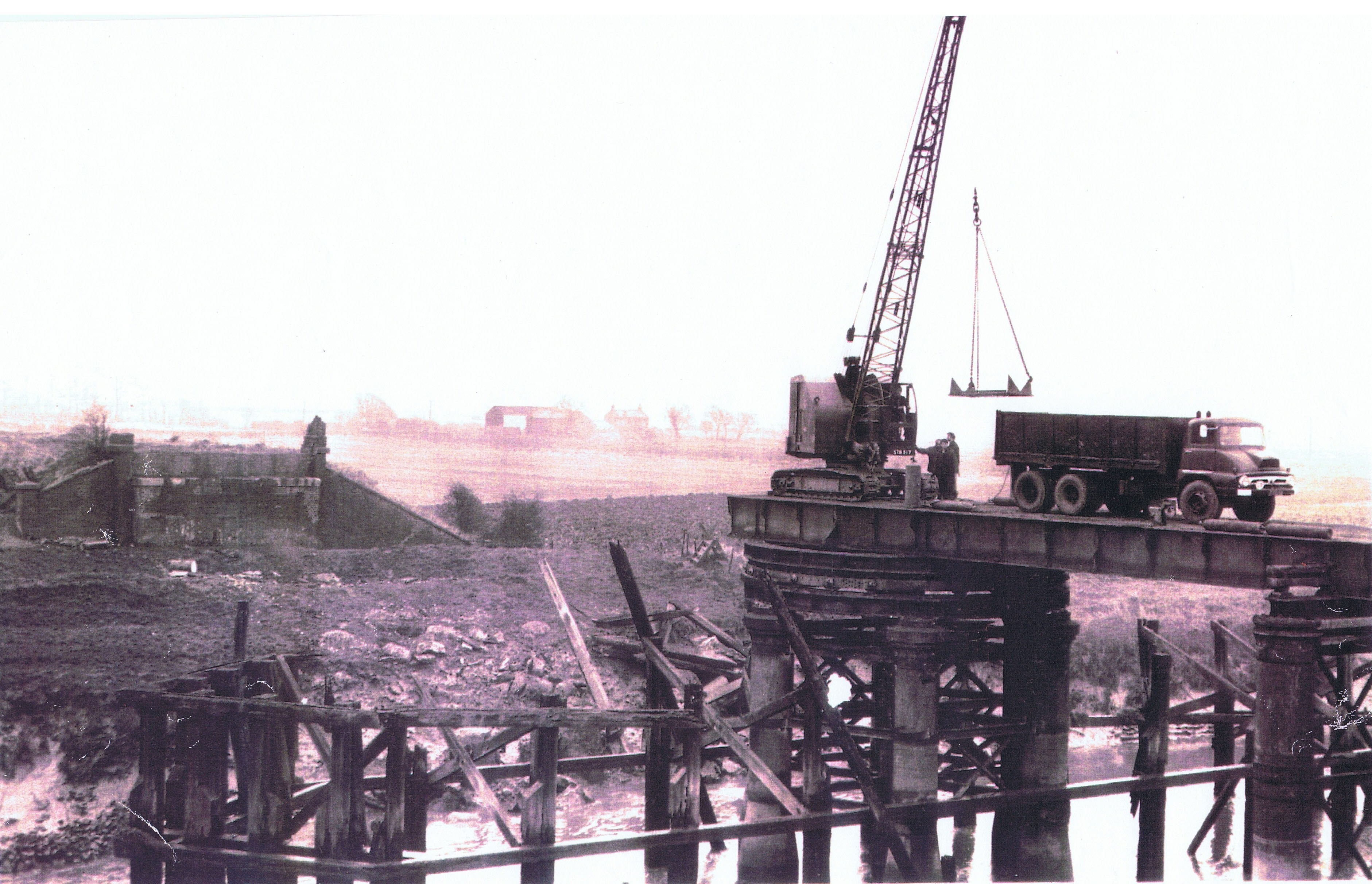 hesketh-bank-demolishing-railway-bridge-1965